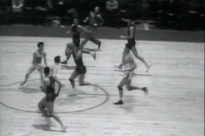 The-First-Basket-in-NBA-History